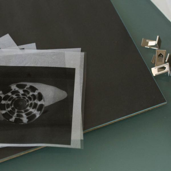 Negativi stampati su acetato e cornice
