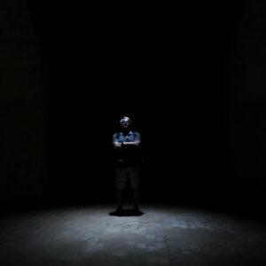 Sandro nel crepuscolo delle finte 'prigioni'